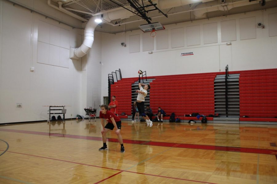 Boys' Varsity Volleyball HP Reveal